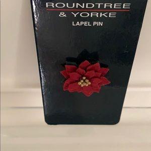 Roundtree & York Lapel Pin - Poinsettia